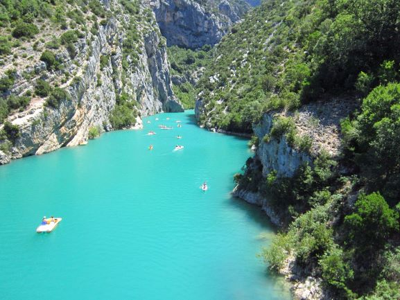 the-galetas-bridge-entrance-of-gorges-of-verdon